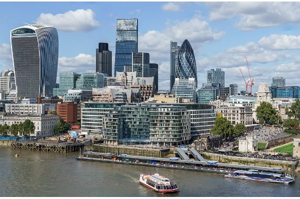 Central London office market outperforms 10-year average leasing volumes in 2017 (GB)
