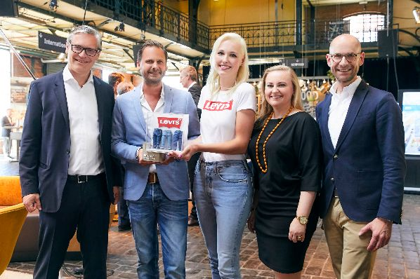 "Levi's receives ECE's ""Retailer Award 2018"""