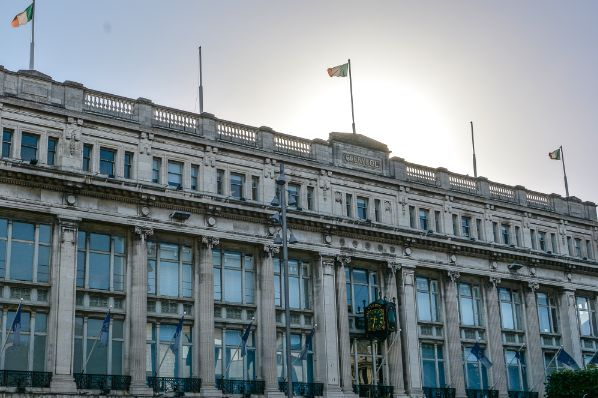 Europa Capital acquires the landmark Clerys building in Dublin (IE)