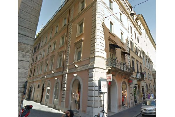 AEW acquires prime high street asset in Rome for €22m (IT)