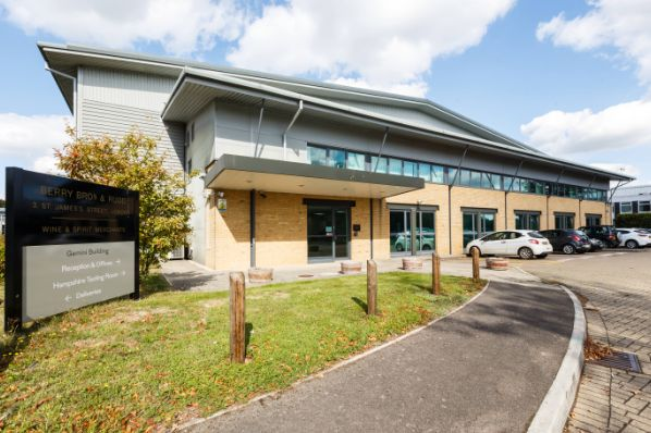 Savills IM acquires two Basingstoke industrial properties (GB)