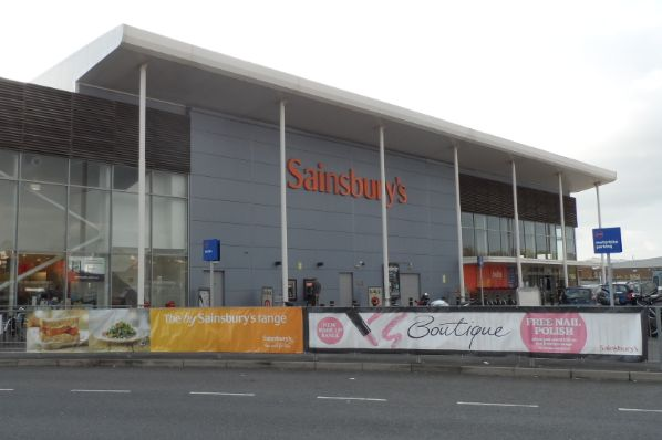 CMA blocks merger between Sainsbury's and Asda (GB)