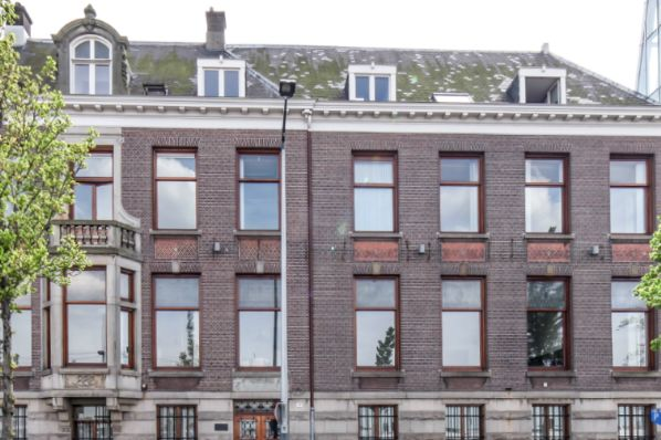 AEW acquires prime office property in Amsterdam (NL)