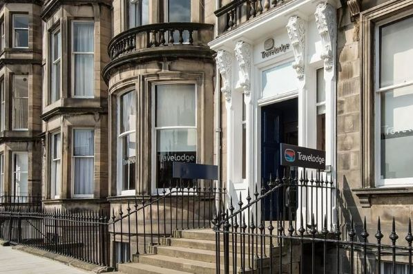 UBS AM acquires Edinburgh Travelodge Hotel for €10.3m (GB)