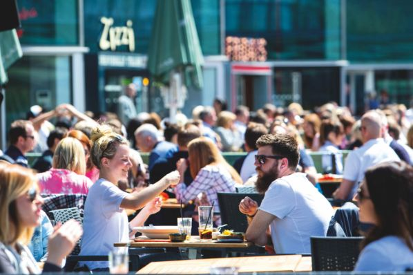 UK F&B and leisure drive up to one in ten visits to retail destinations