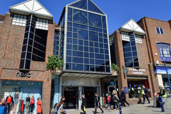 Redevco acquires Guildford shopping arcade for €13.4m (GB)