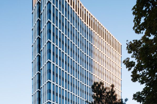 Barings acquires St. Martin's Tower in Frankfurt (DE)