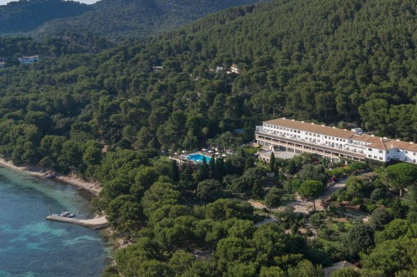 Four Seasons and Emin Capital unveil plans for Mallorca hotel (ES)