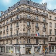 54 RUE DE RENNES IN PARIs