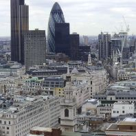 RICS tackles 'unfair' commercial property service charges (GB)