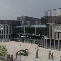 Warsaw's new retail destination opens its doors (PL)