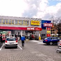 Warburg-HIH Invest acquires retail centre in Kassel (DE)