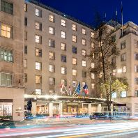 Cola Holdings to sell €1bn Mayfair hotel & retail portfolio (GB)