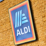Aldi unveils €1.4bn investment plan (GB)