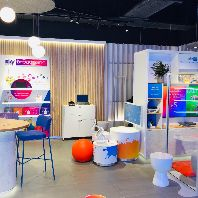 Sky opens its first physical retail store (GB)