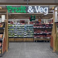 Sainsbury's opens new fresh food market concept (GB)