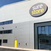 Legal & General acquires two regional self-storage assets (GB)