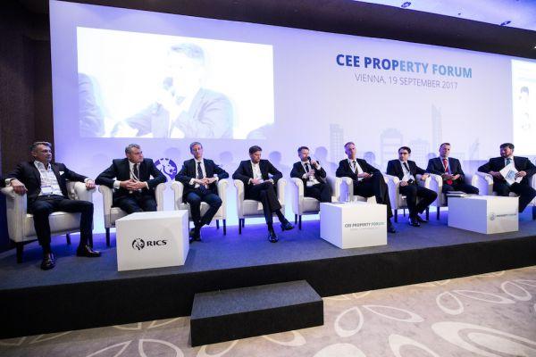 CEE_Property_Forum_2017_20_Torok_Zeman_Martin_Karczewicz_Alson_Hanslik_Gozdziewicz_Dawson_Steinberg_1
