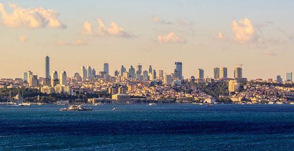 Modern_Istanbul_skyline | ©Ben Morlok