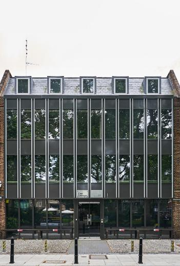 Aviva Investors and PSP Investments acquire Hoxton campus (GB)