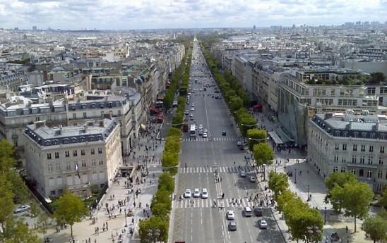 Champs_Elysees,_Paris©Mark Kobayashi-Hillary